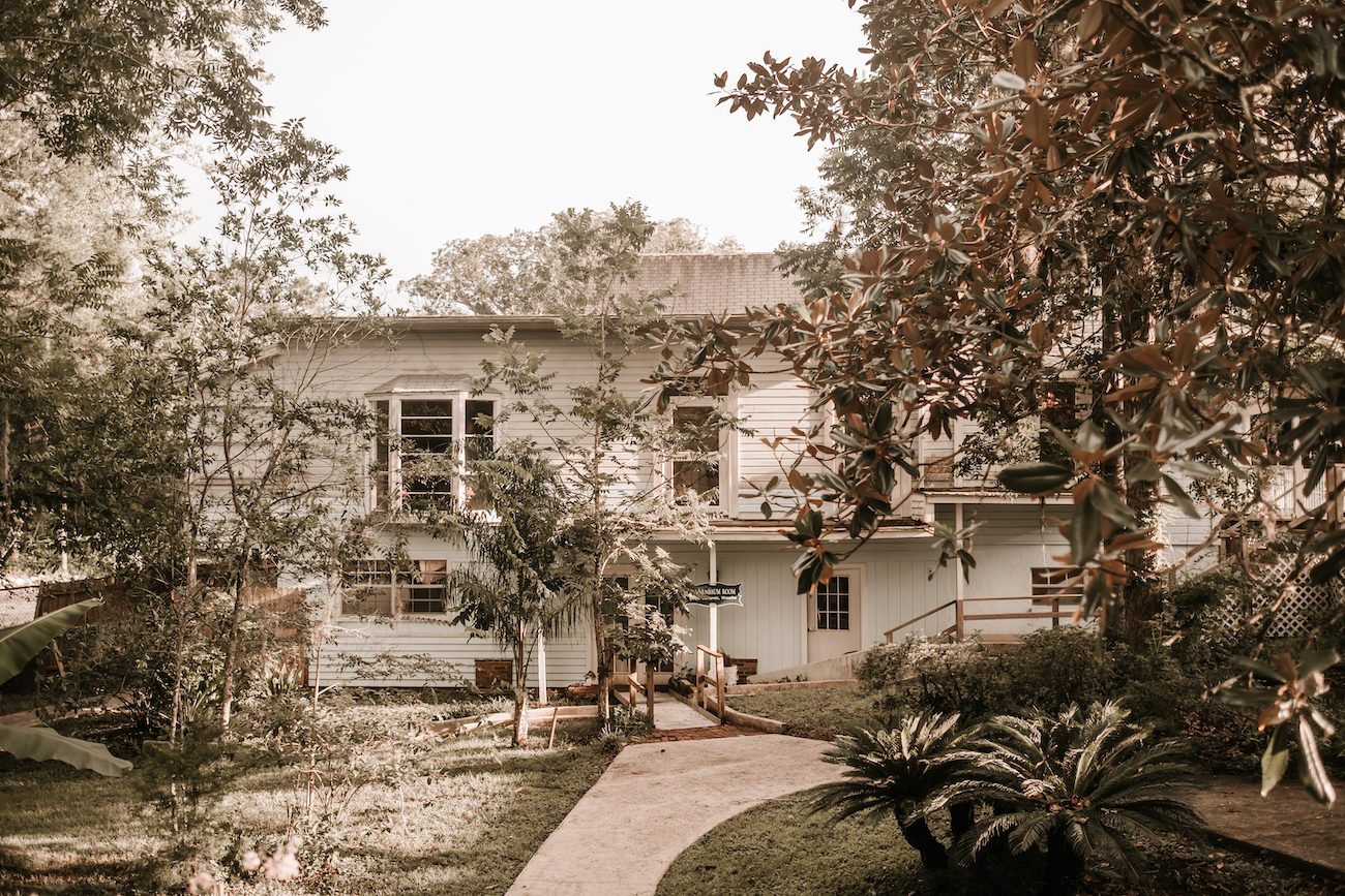 Saxon-Manor-Tampa-Weddings-151.jpeg