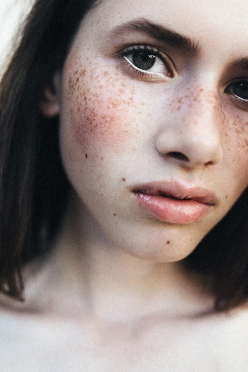 nadiaduca-makeup-artist-touched (1).jpg