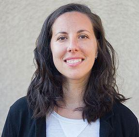 Samantha-Yugler-LMFT-oakland-ca-therapist-portrait.jpg