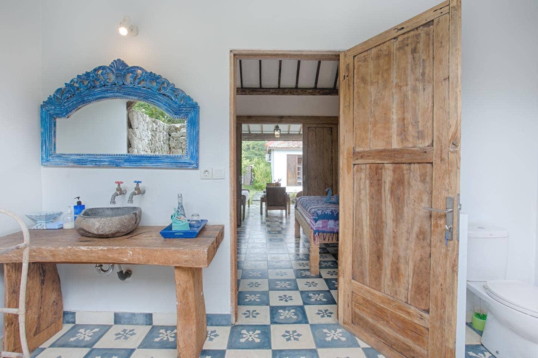 villabathroom3.jpg