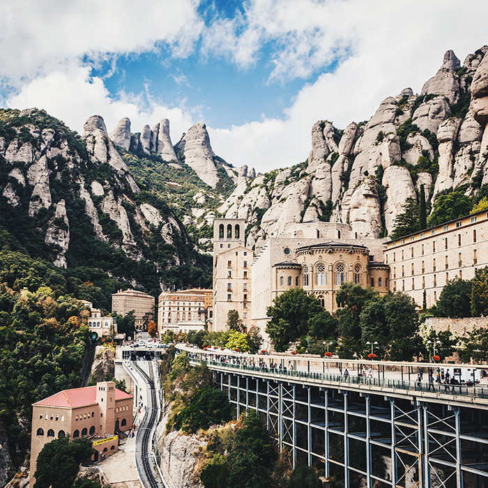Guided Tour Montserrat - 👉Duration: ½ day (5 hours)👉Type: chauffeured (separate driver)Montserrat is a spectacularly beautiful Benedictine monk mountain retreat about one hour North West from Barcelona by car.During our tour we will visit the monastery with the black Virgin and we will also enjoy of the natural beauty surrounding the monastery is simply breathtaking.