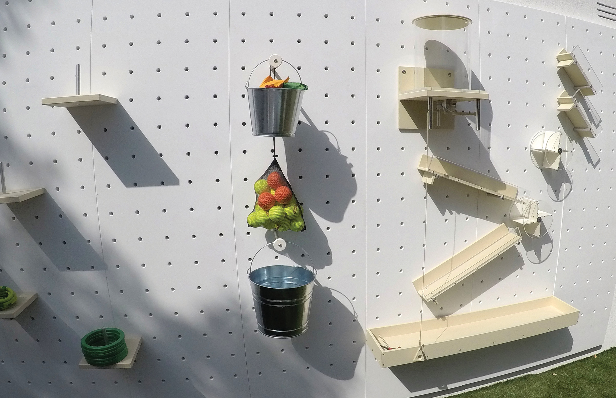 pegboard-pegwall-mywall-outdoor-thinkterior.jpg