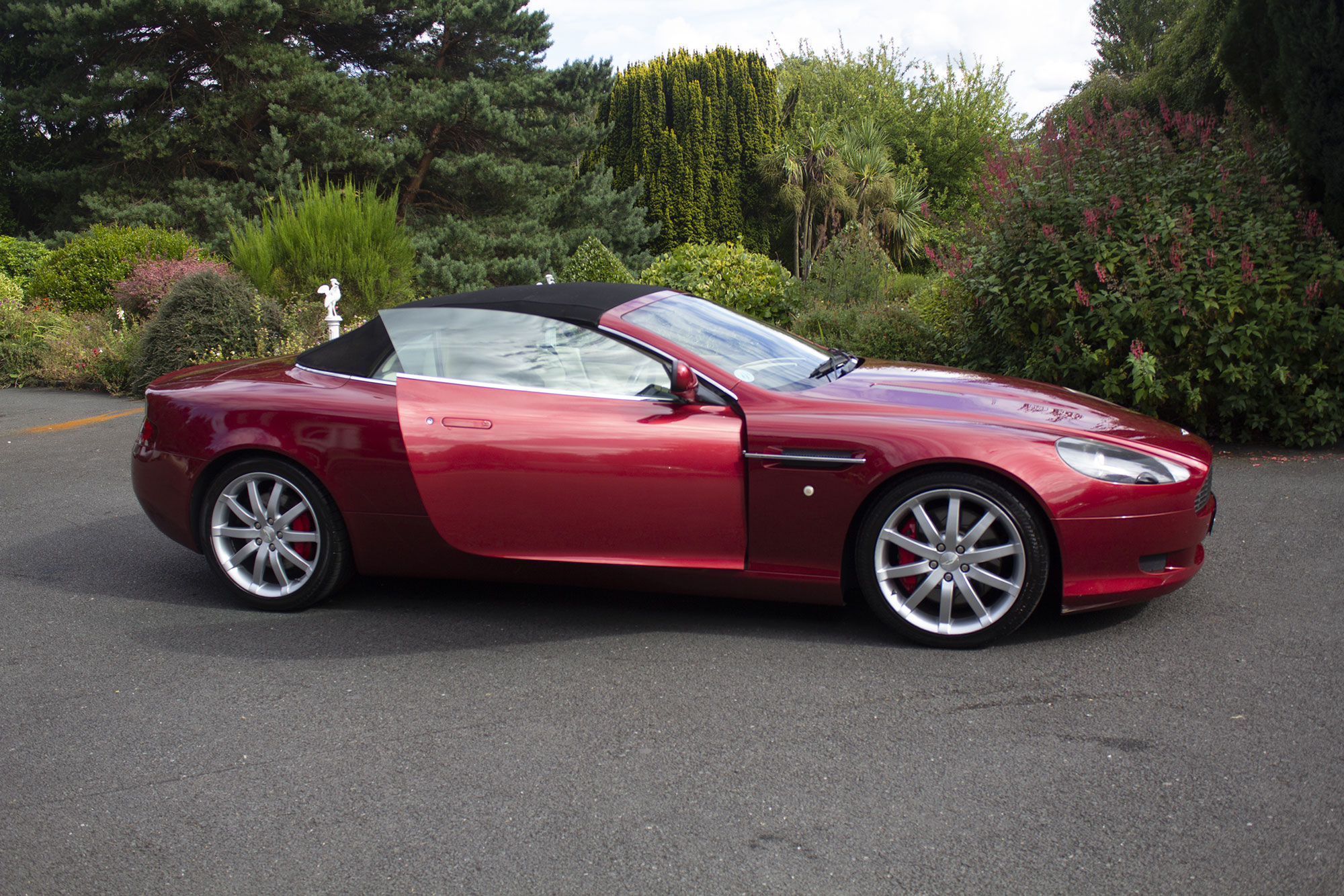 Aston Martin DB9 Convertible in Wine