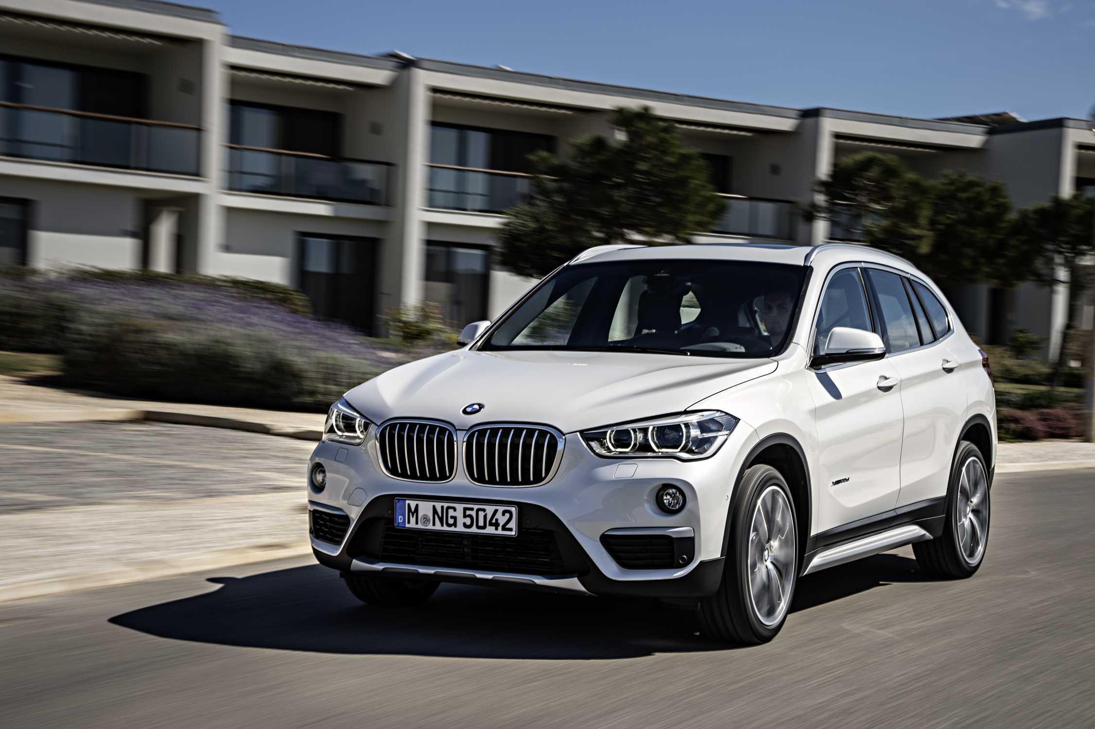 white BMW X1