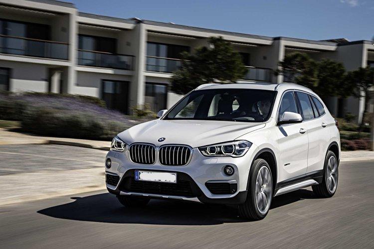 P90183693-the-new-bmw-x1-bmw-x1-xdrive20d-xline-mineral-white-metallic-light-alloy-wheels-y-spoke-511-interior-2253px.jpg