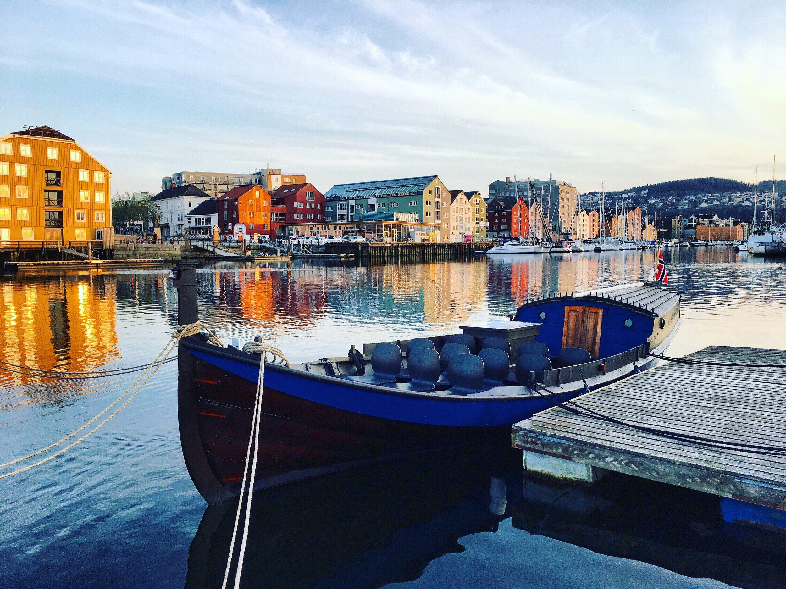 FRØYA - En tradisjonell Åfjordsbåt.