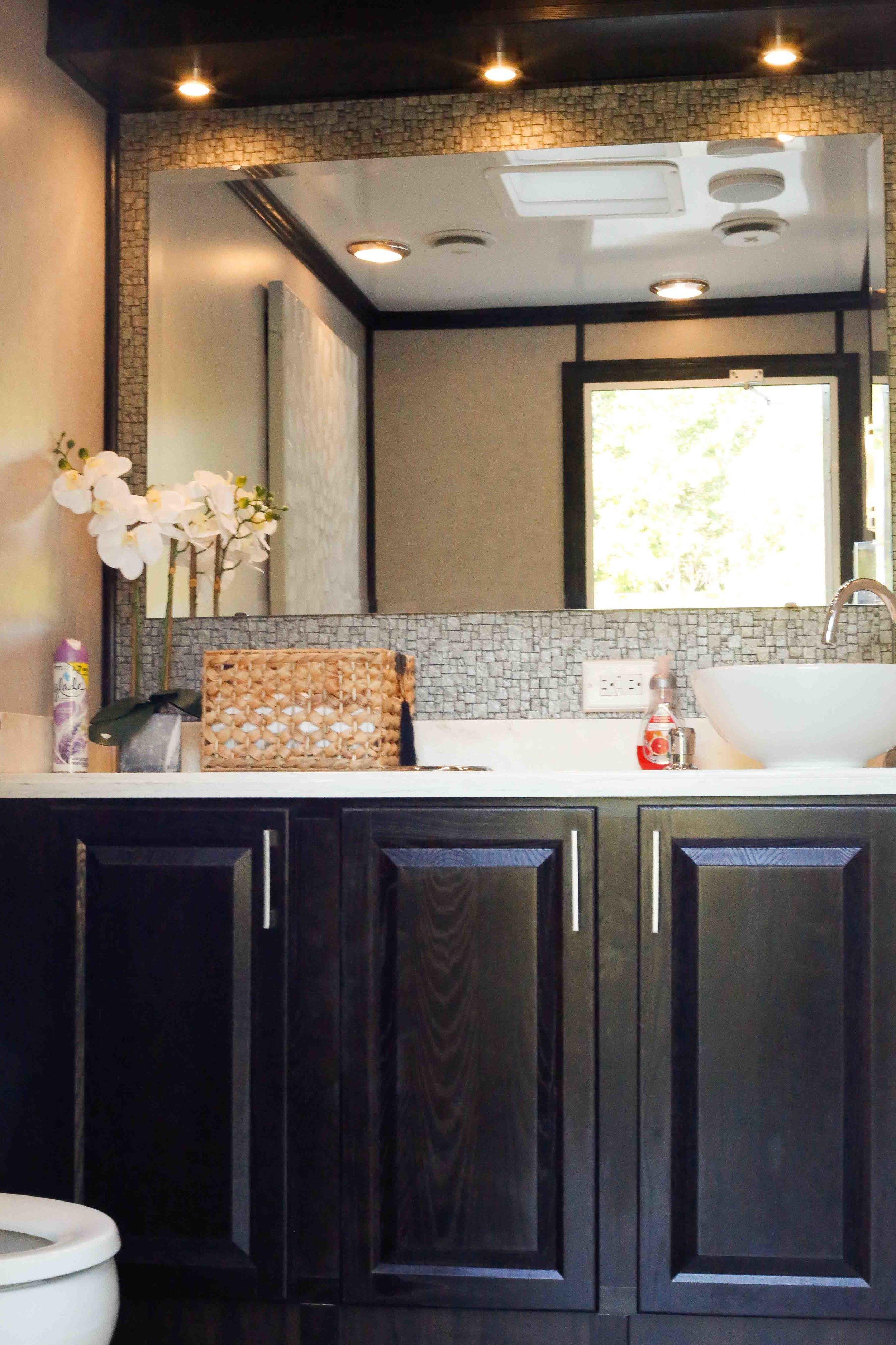 bathroomrentals.jpg