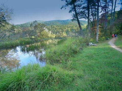 Lake-Powhatan-Trail.jpg
