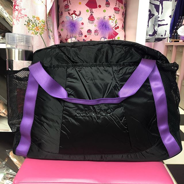 Brand new capezio dance bag! Great side pocket for water bottle or even to air out dance shoes. Great size for those dancers who do more than a few classes! Please comment or message for more detail! 💜👯♀️ #capezio #dancer #dancebag