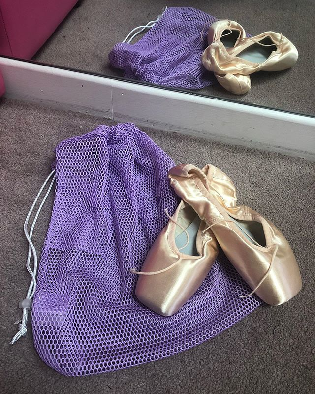 🚨 NEW BAG ALERT🚨  Brand new bags now in stock. Pink and lilac mesh bags are great for pointe shoes, or any other dance shoes that need room to breathe! We also have the stylish matte black bag with stunning pink balletic print lining! For sparkle lovers, we have the deep blue glitter rucksack for in, and outside of the dance studio! ✨ #capezio #Bloch #bag #dancebag #dancing #dancer #pointeshoe #pointe #ballet #ballerina