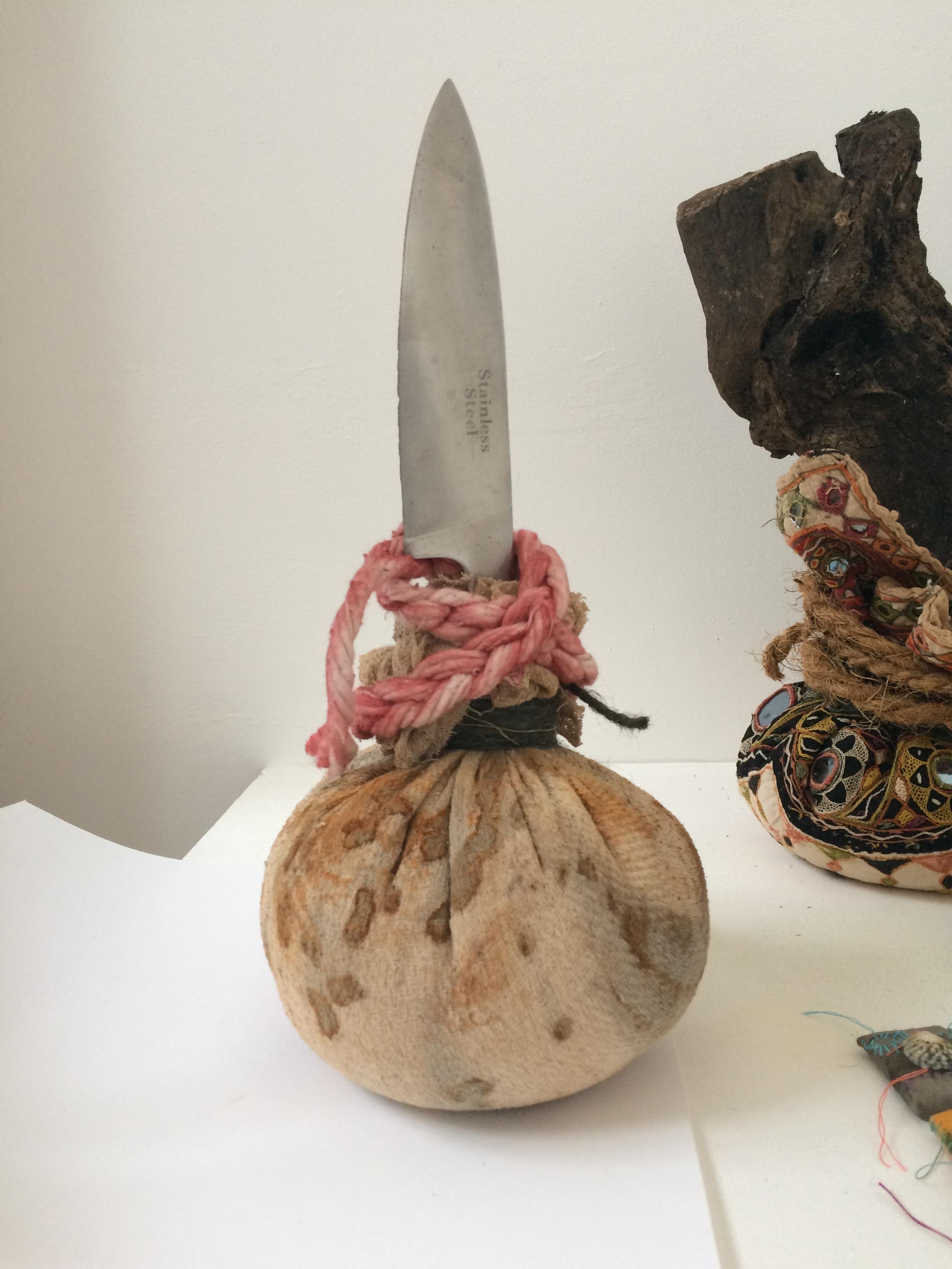 Sharp, 2018 rust-printed cloth, rice, knife, rope, string h30cm