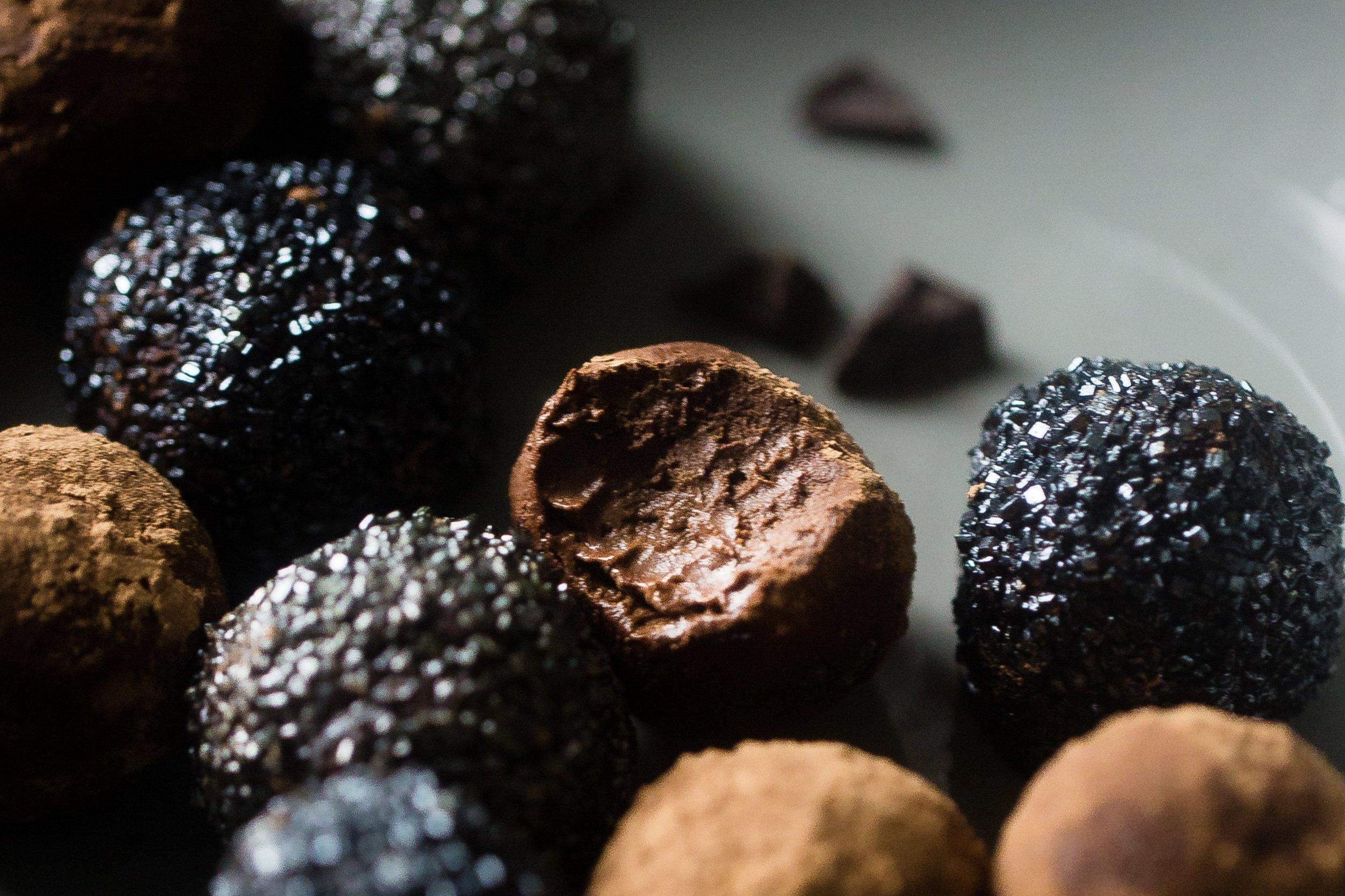 DarkChocolate_Avocado_Truffles.jpg
