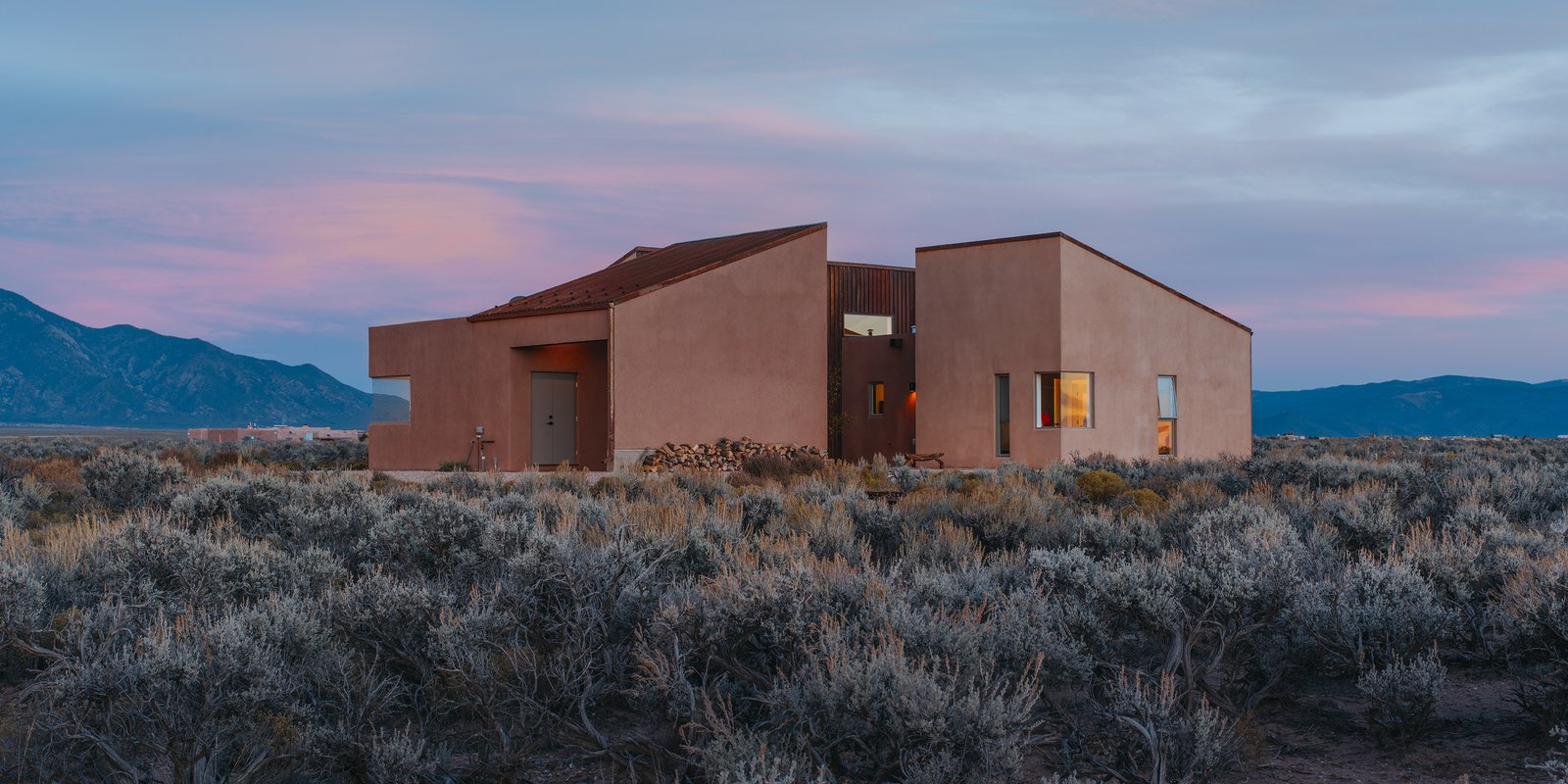 -taos-new-mexico-dwell-magazine-july-august-2017.jpg