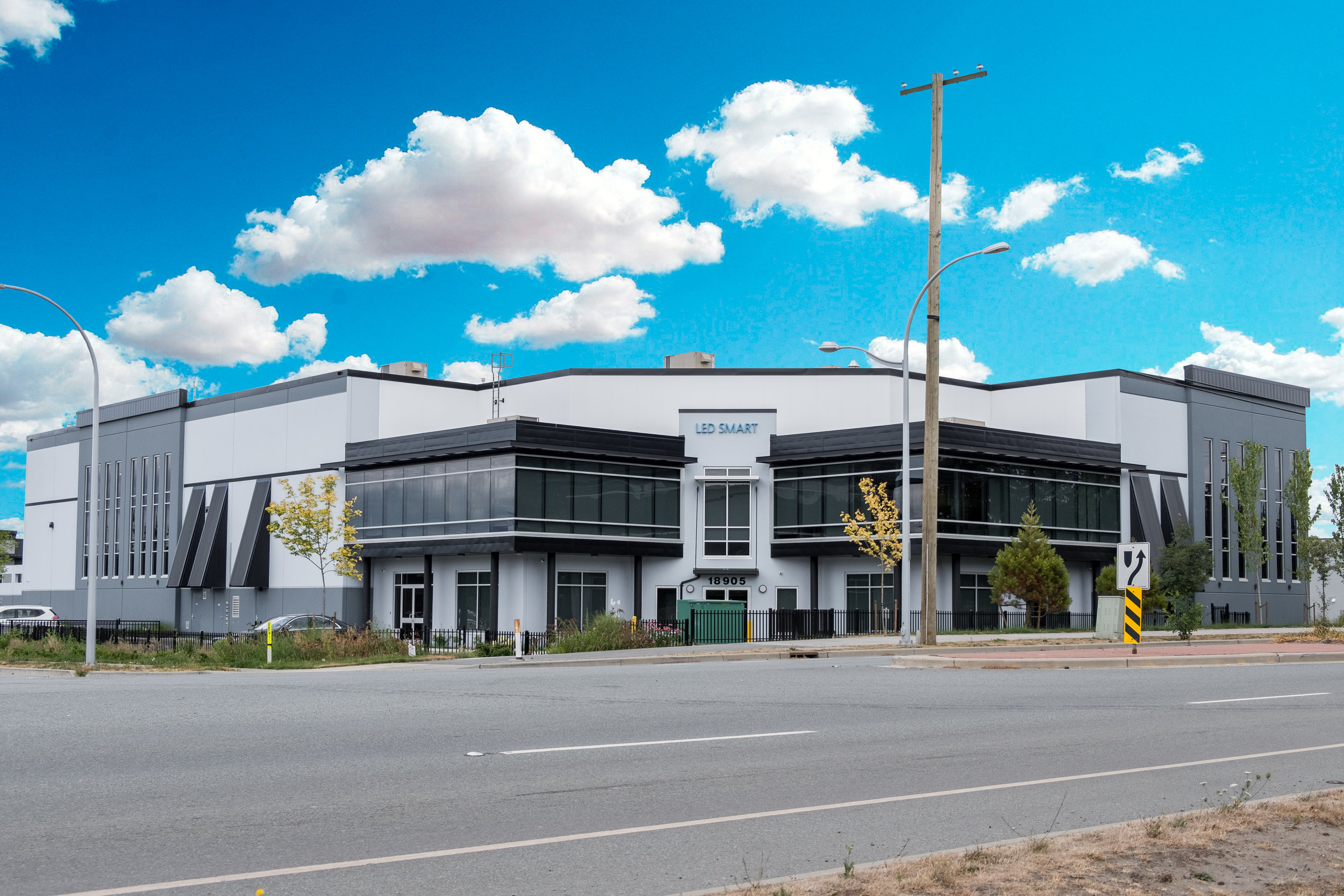 LED Smart Inc. Surrey Production /Research and Development Facility is strategically located in close proximity to the Port of Vancouver,British Columbia and minutes from the Canada - USA border.