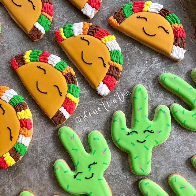 So happy it's ALMOST FRIDAY!!!! 🌮 🌵 . . #taco #tacocookies #baker #tacos #pacificbeach #feedfeed  #ilovetacos  #happy #colorful #handmade  #sandiego #sandiegocookies #cactus  #tacocookie #dessert #rainbow  #donetoatee #instacookie #unique #buzzfeedfood #dessertbae  #sdfoodie  #lajolla #fridayeve  #smile #food52 #cincodemayo #cookievideo  #howto #fiesta