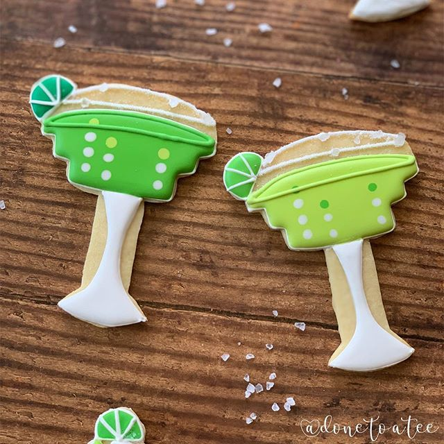 CHEERS SATURDAY 🍹🍹🍹🍹🍹🍹🍹🍹🍹🍹🍹🍹🍹 . . #margarita  #margaritacookies #bakersofinstagram #baker #pacificbeach #vivalamexico  #cheers  #colorful #pastel  #feedfeed #sandiego #baking #huffposttaste #sandiegocookies #cincodemayo #bubbles  #fiesta  #instacookie #cupcakeproject #buzzfeedfood #margs #sdfoodie  #bakerlife #cocktail #letsdrink  #cookie #decoratedcookie #cookievideo #cocktailcookies #cinco