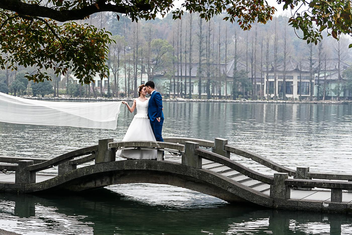 Hangzhou is a favorite spot for wedding photos