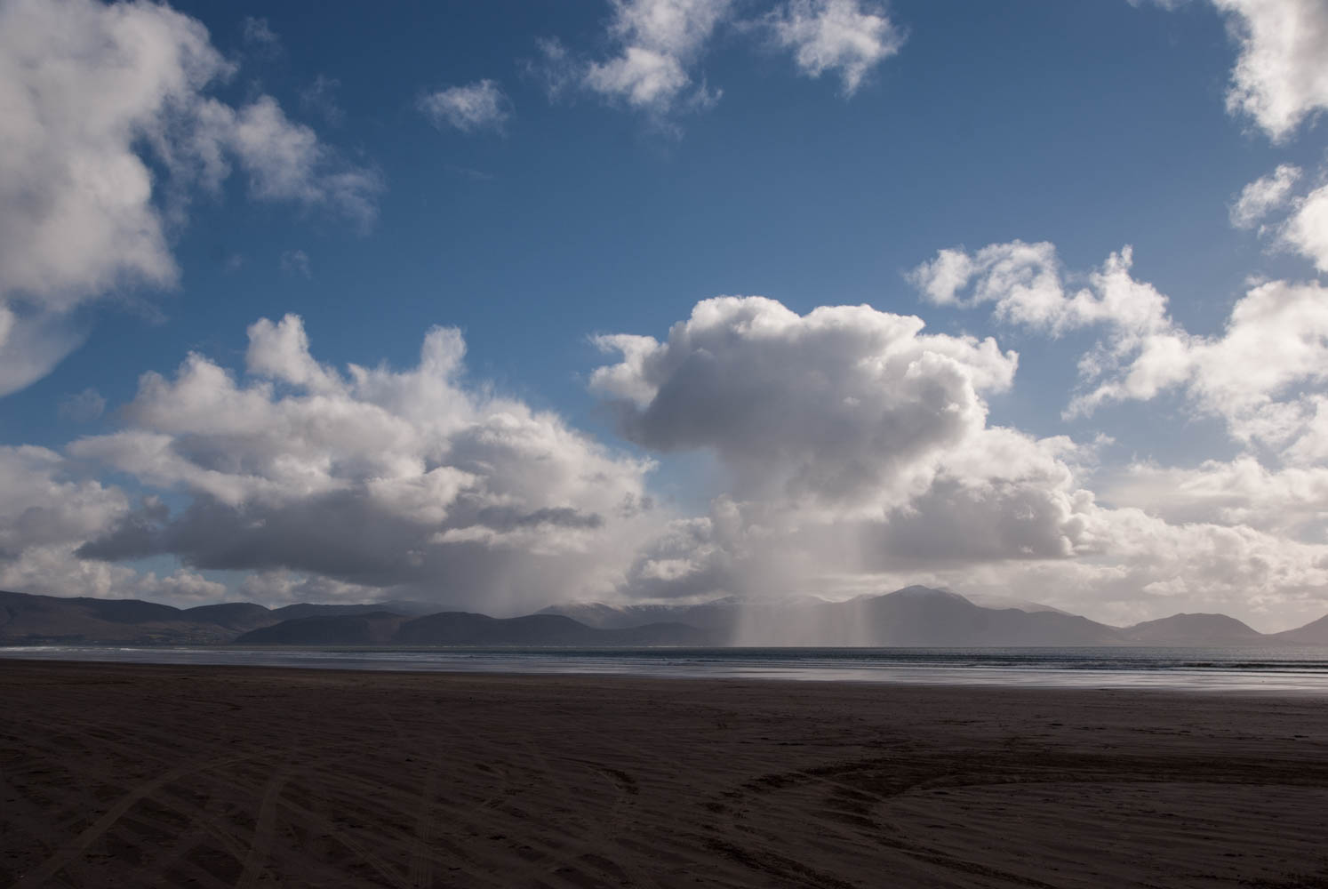 Scattered showers are in the forecast, on the drive to Dingle Peninsula