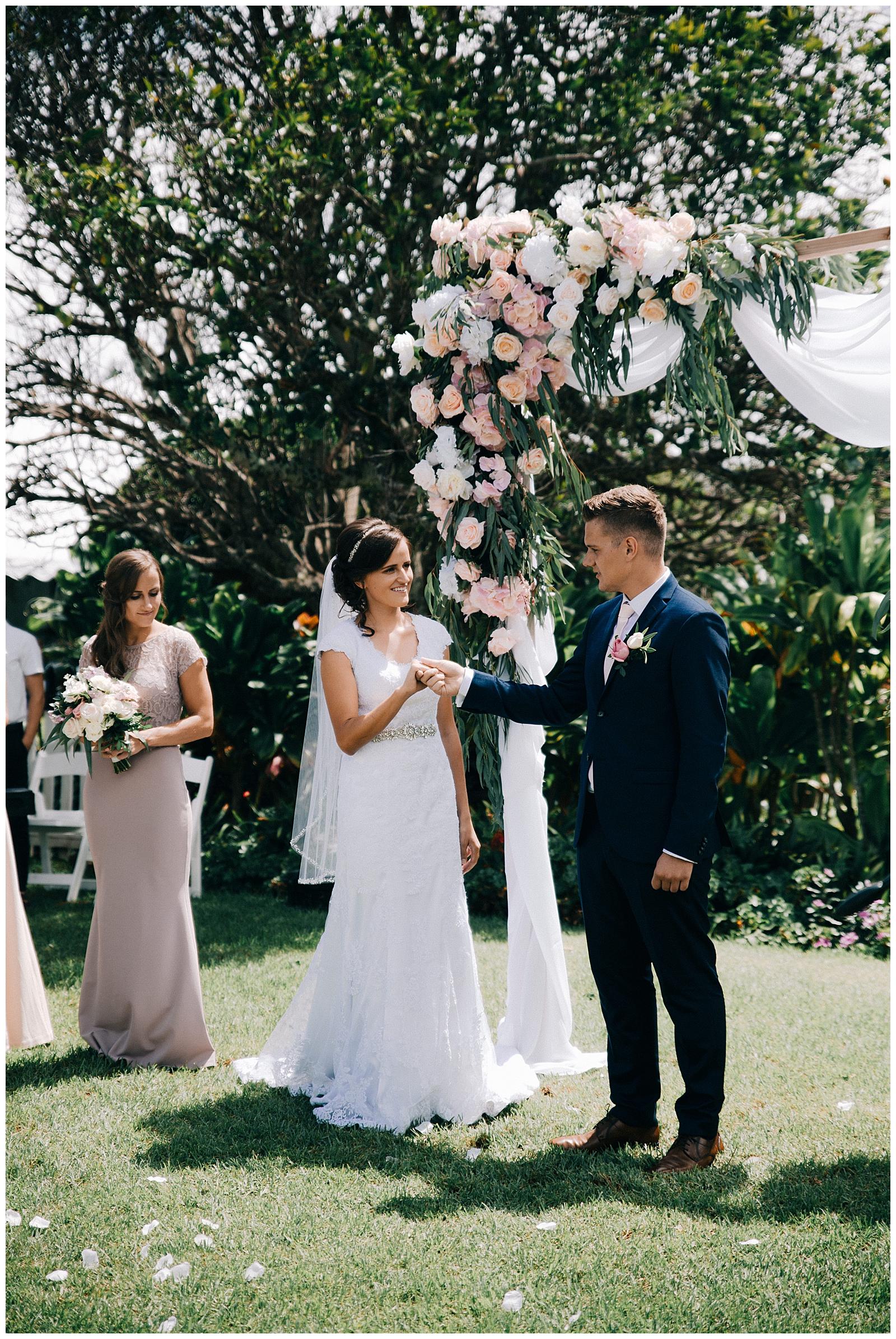 Hawaii Destination Wedding Annie Zav Photography_0044.jpg