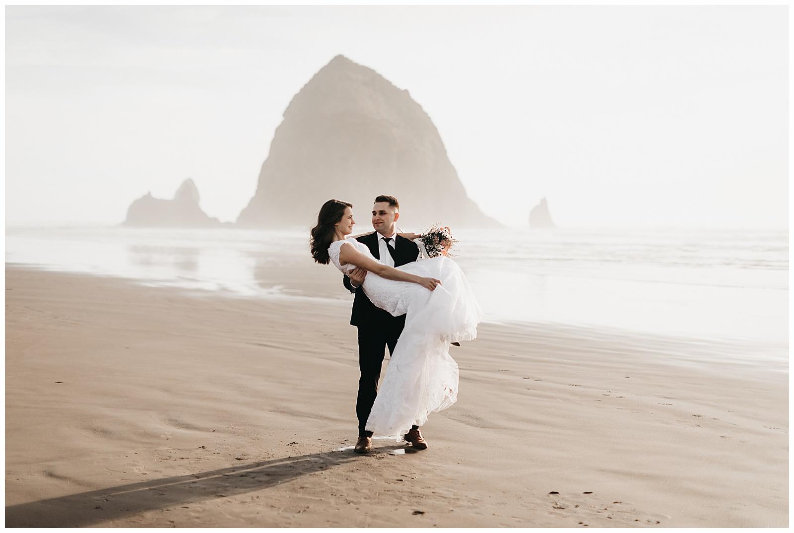 Ecola State Park Elopement Oregon Wedding Photographer Annie Zav Photography_0506.jpg