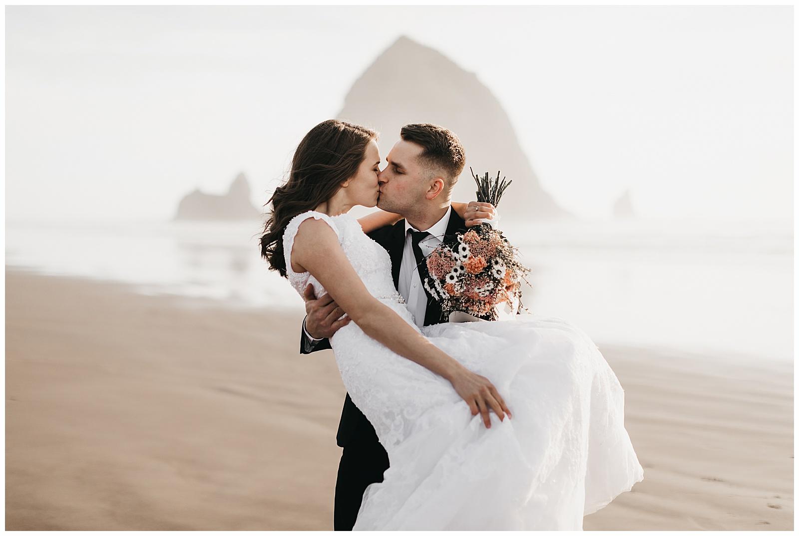 Ecola State Park Elopement Oregon Wedding Photographer Annie Zav Photography_0507.jpg