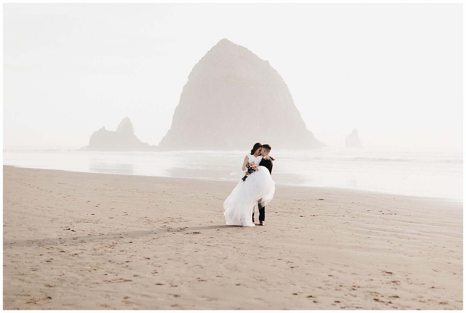 Ecola State Park Elopement Oregon Wedding Photographer Annie Zav Photography_0512.jpg