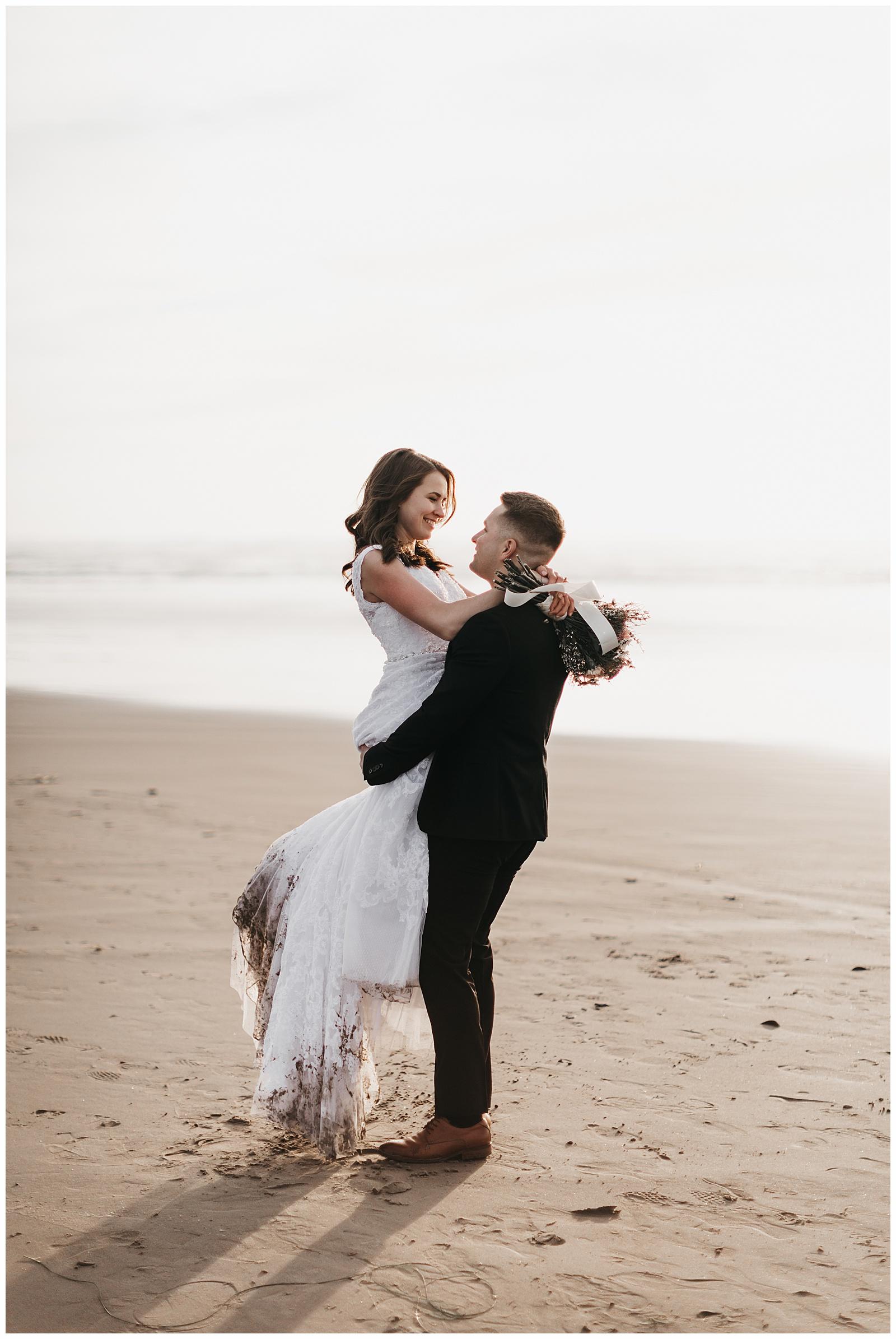 Ecola State Park Elopement Oregon Wedding Photographer Annie Zav Photography_0520.jpg