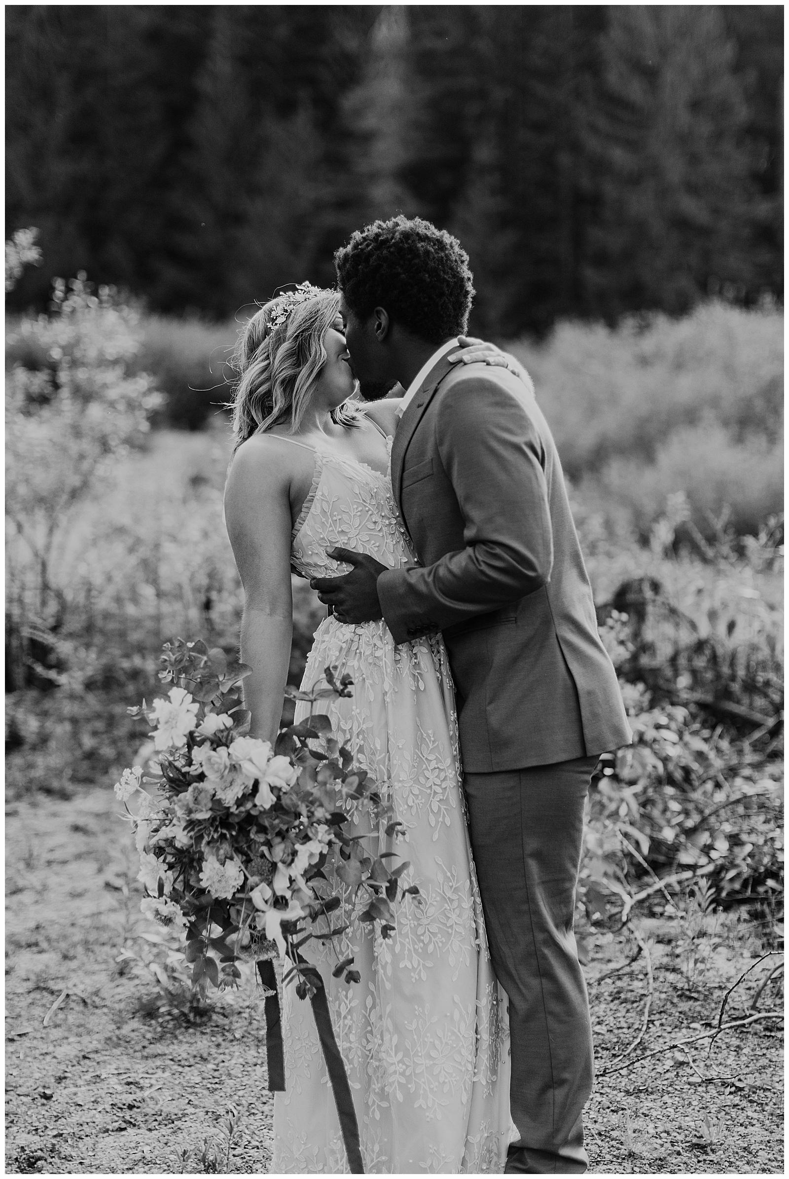 seattle-wedding-photographer-seattle-elopement-photographer-anniezav_0005.jpg