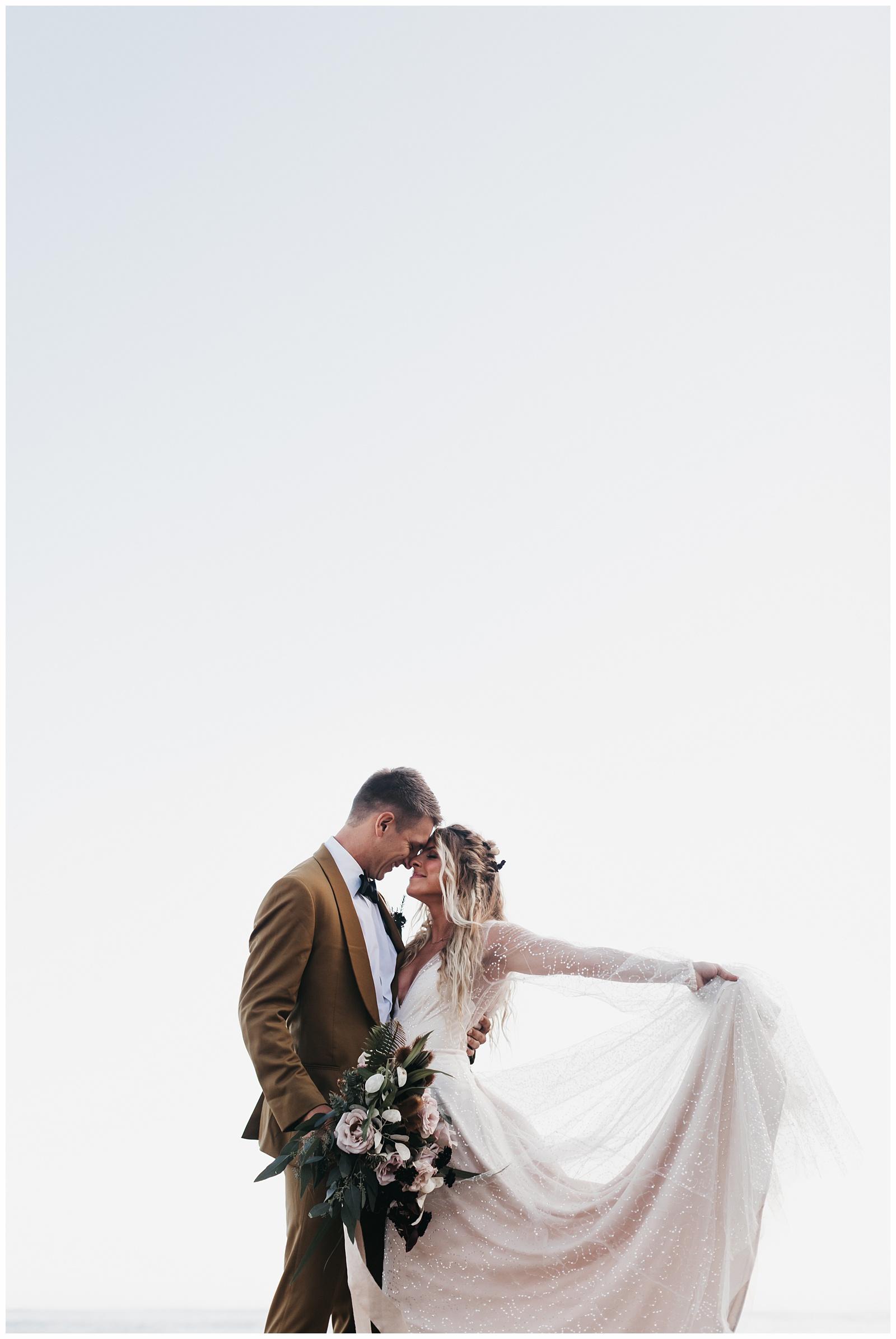 portland-wedding-photographer-pacific-city-elopement-photographer-anniezav_0003.jpg