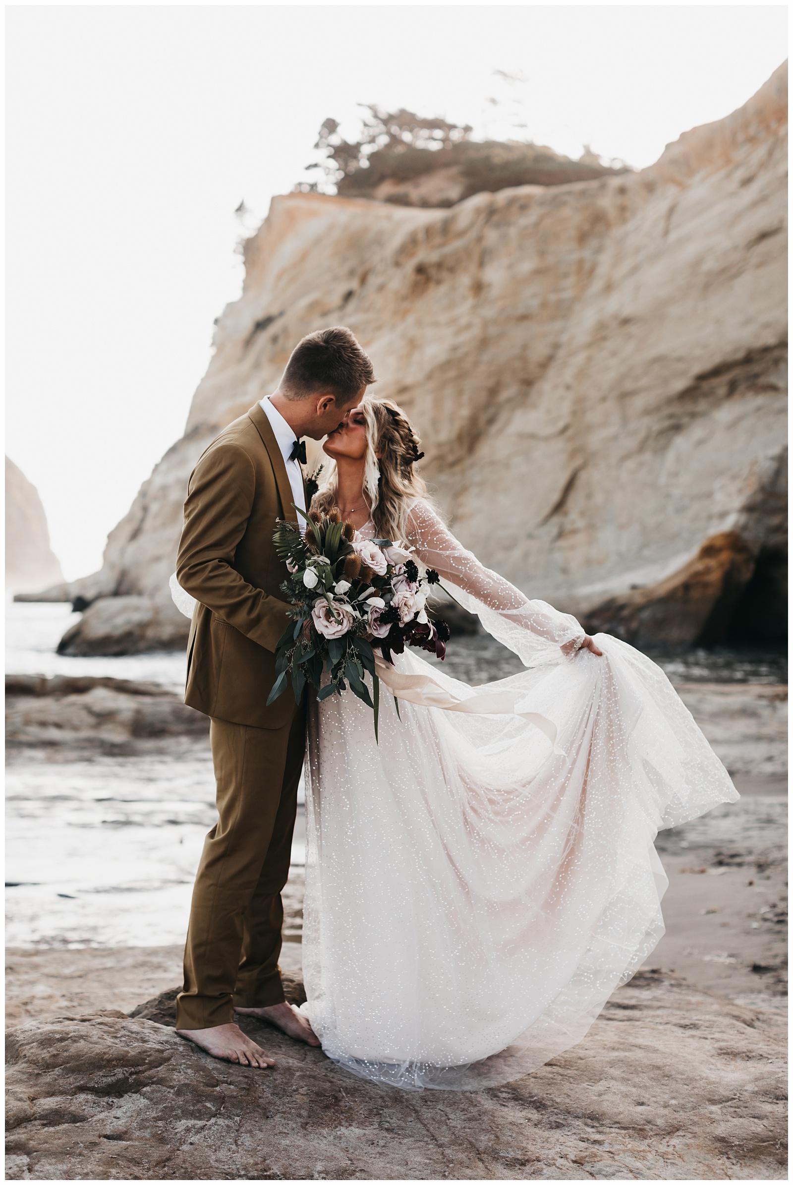 portland-wedding-photographer-pacific-city-elopement-photographer-anniezav_0004.jpg