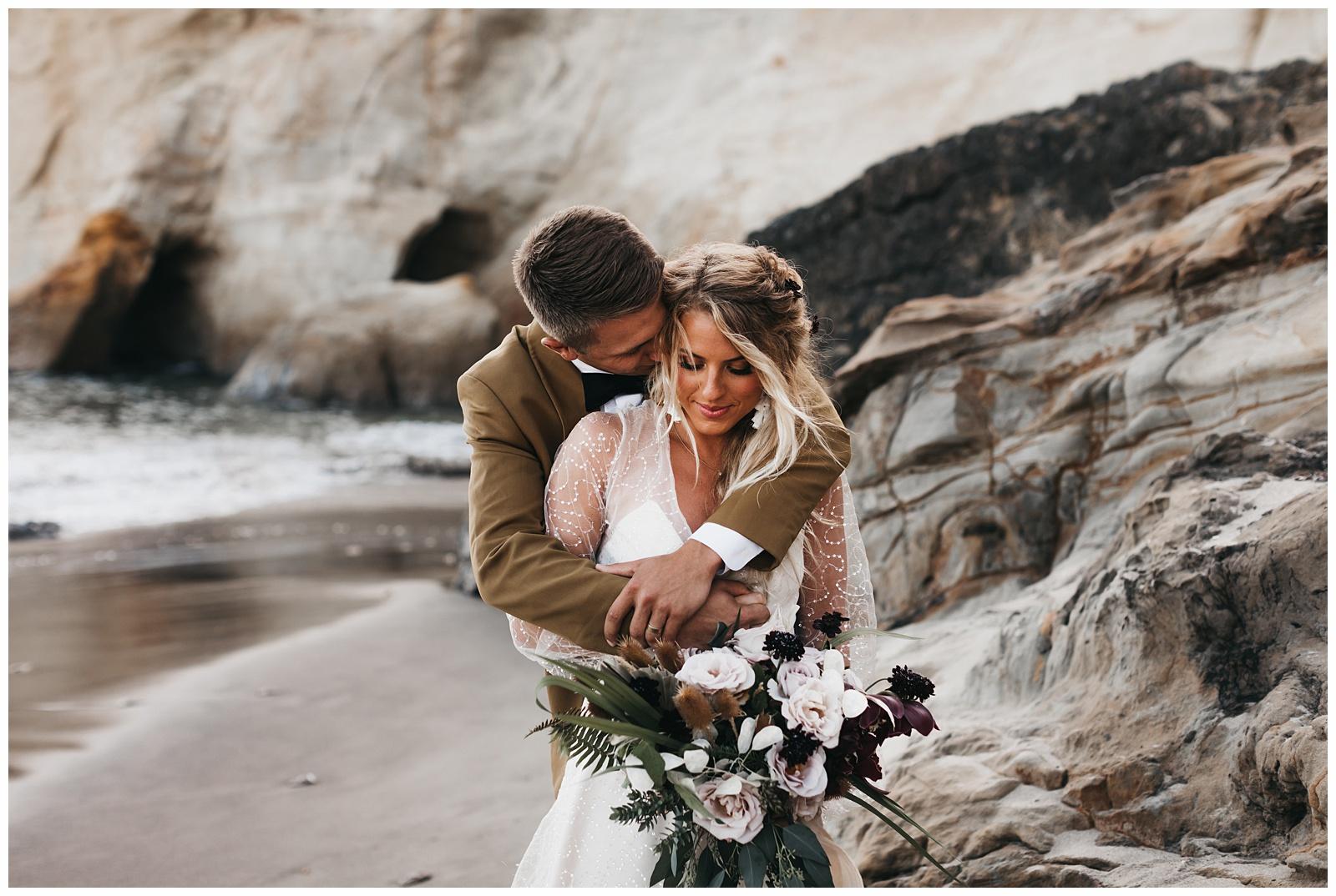 portland-wedding-photographer-pacific-city-elopement-photographer-anniezav_0010.jpg