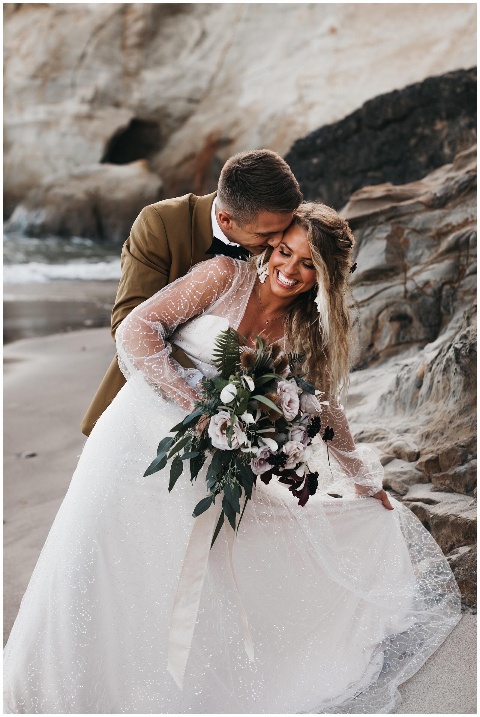 portland-wedding-photographer-pacific-city-elopement-photographer-anniezav_0014.jpg