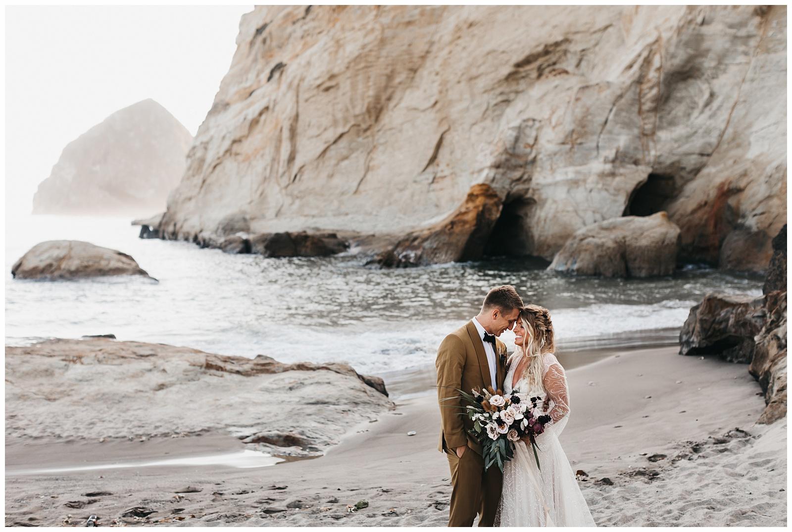 portland-wedding-photographer-pacific-city-elopement-photographer-anniezav_0023.jpg