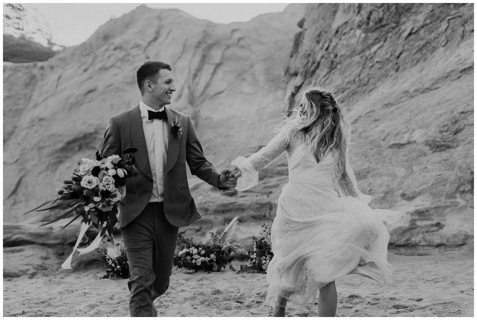 portland-wedding-photographer-pacific-city-elopement-photographer-anniezav_0045.jpg