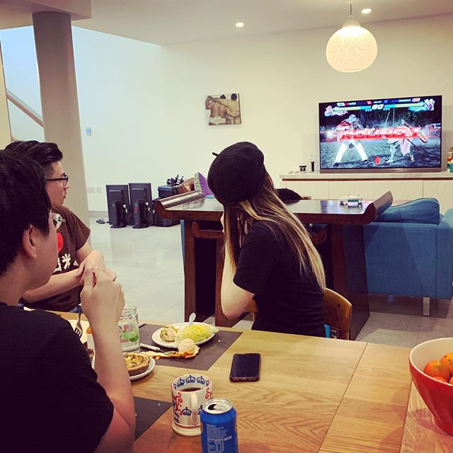 Sunday brunch & Tekken.  #fgc #tekken7 #sfv #berlintekkenclash