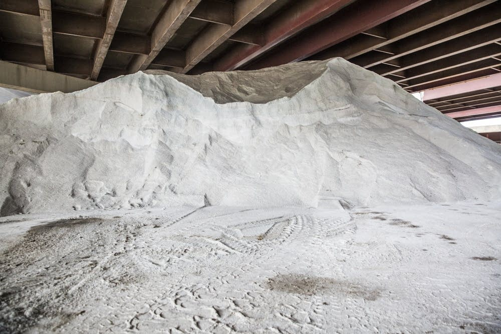 "Photo Credit:  Evan Frost  |  MPR News    Minnesota lawmakers are introducing a bill this week that'd give legal cover to crews that that use ""smart salting"" techniques, or using only the recommended amount necessary to melt ice."