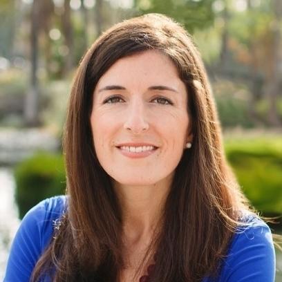 Amanda Daflos Bio.jpg