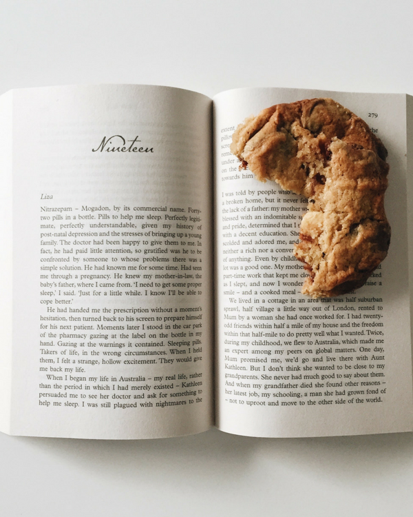 The-BEST-Chocolate-Chip-Cookies.png