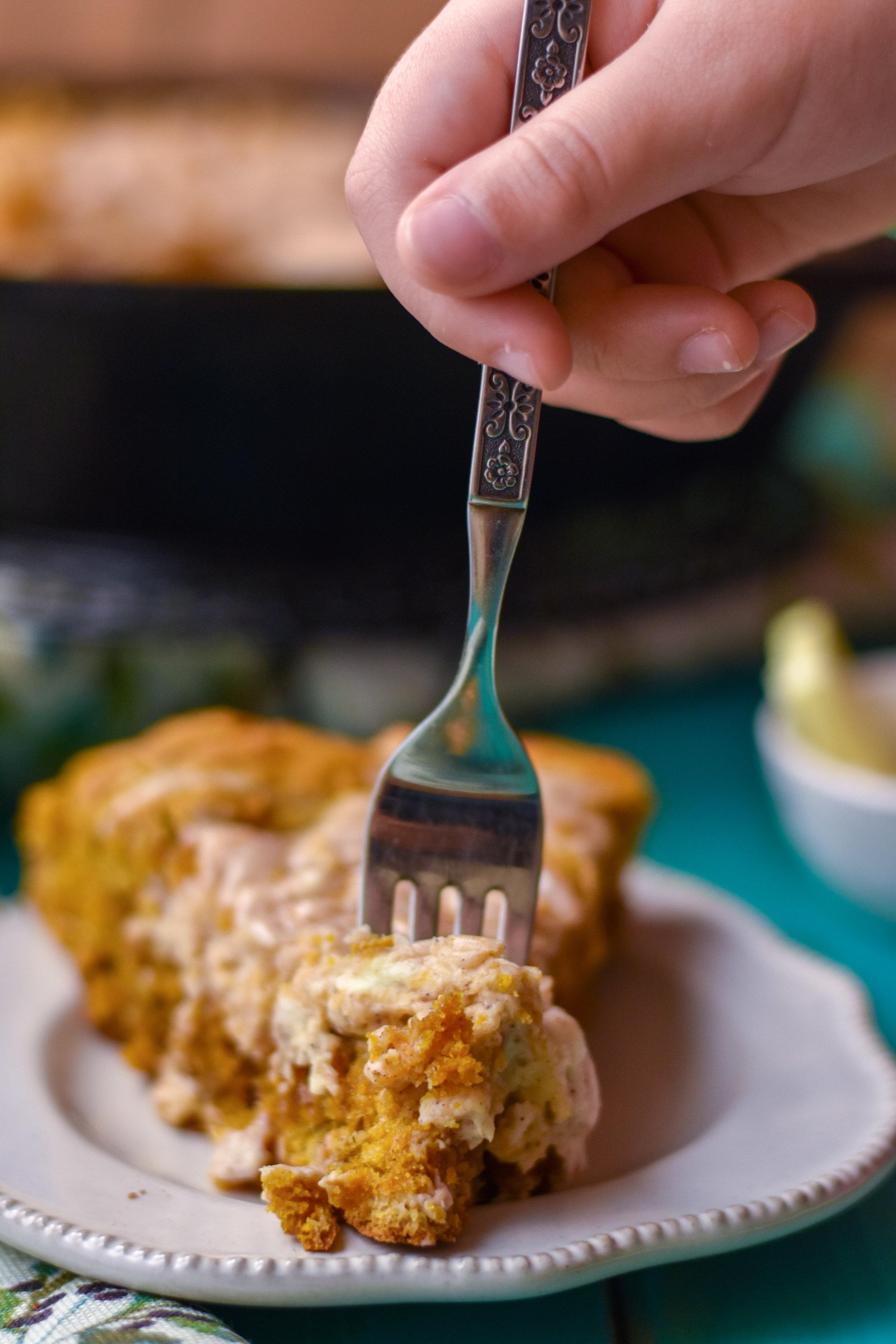 Brown Sugar Skillet Pumpkin Bread with Cinnamon Cream Cheese Swirl