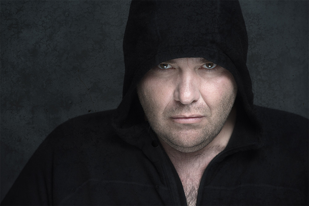portrait-Paulo-de-Sousa-hoodie-web.jpg