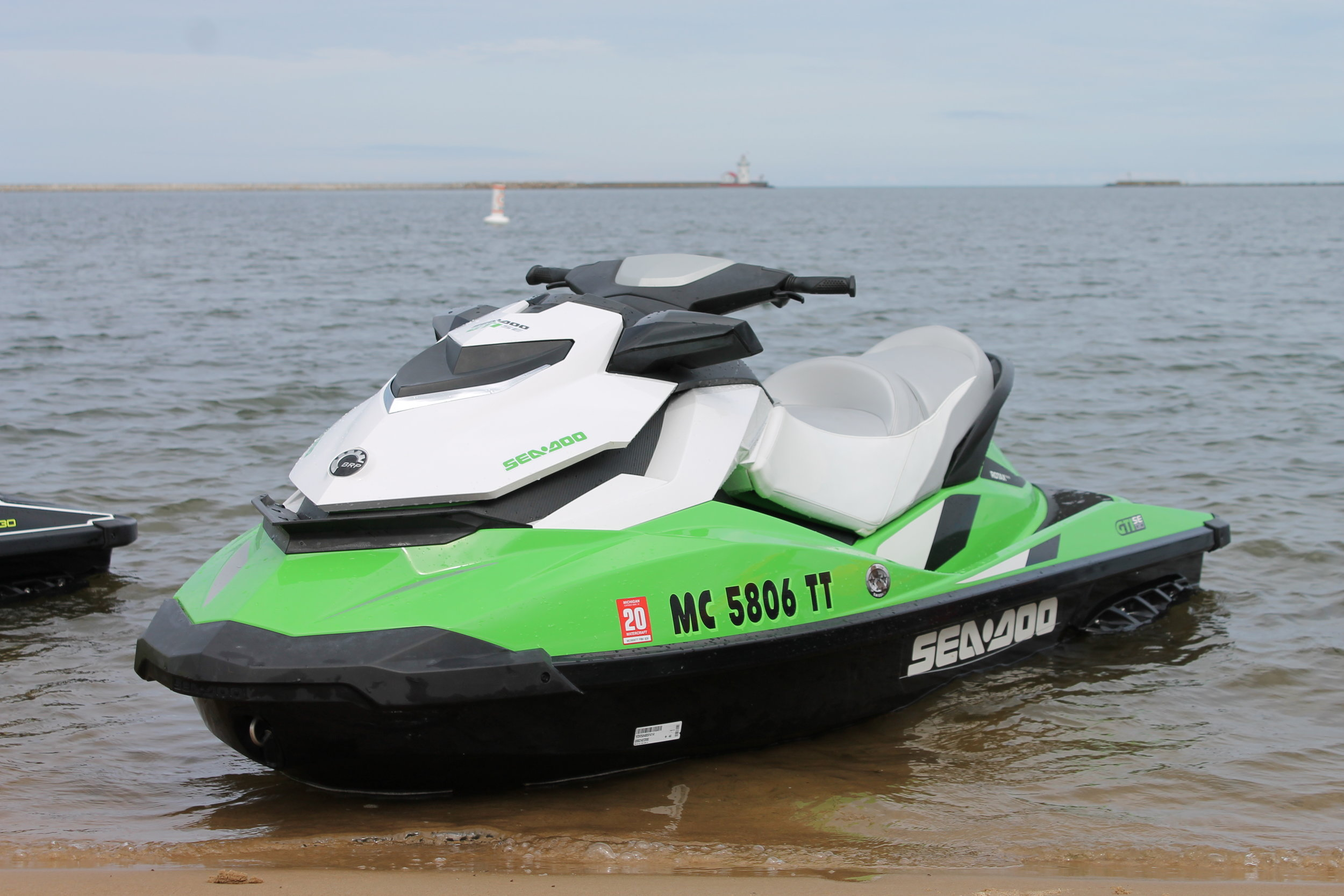 The Green - 2014 SEA DOO GTI 130 SE3 cylinder, 4 stroke, electric start, automatic, reverse3 seats, 132.6 in x 48.5 in, 15 gallon gas tank capacityautomatic trim