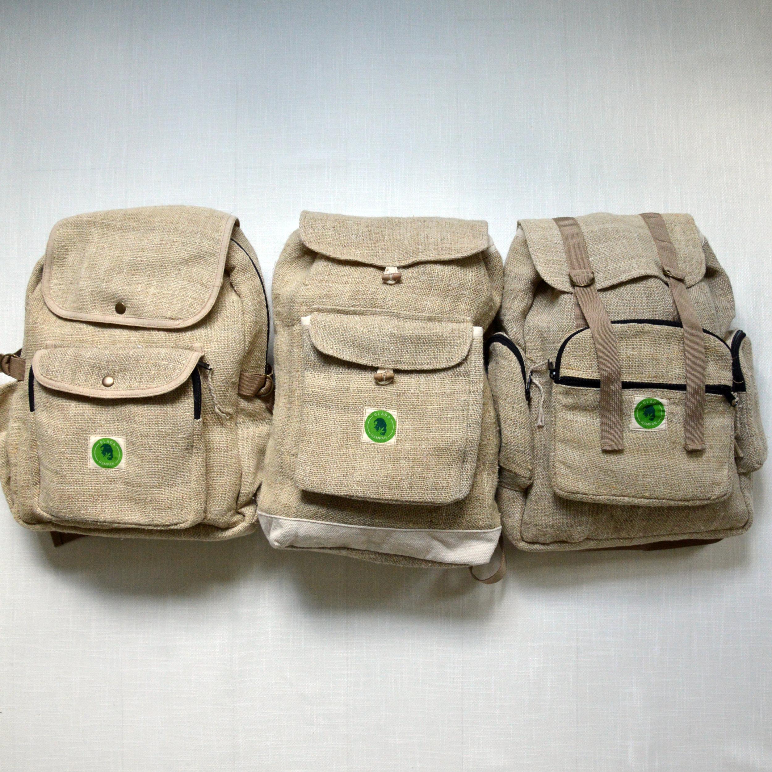 ryggsäckar3x3.jpg