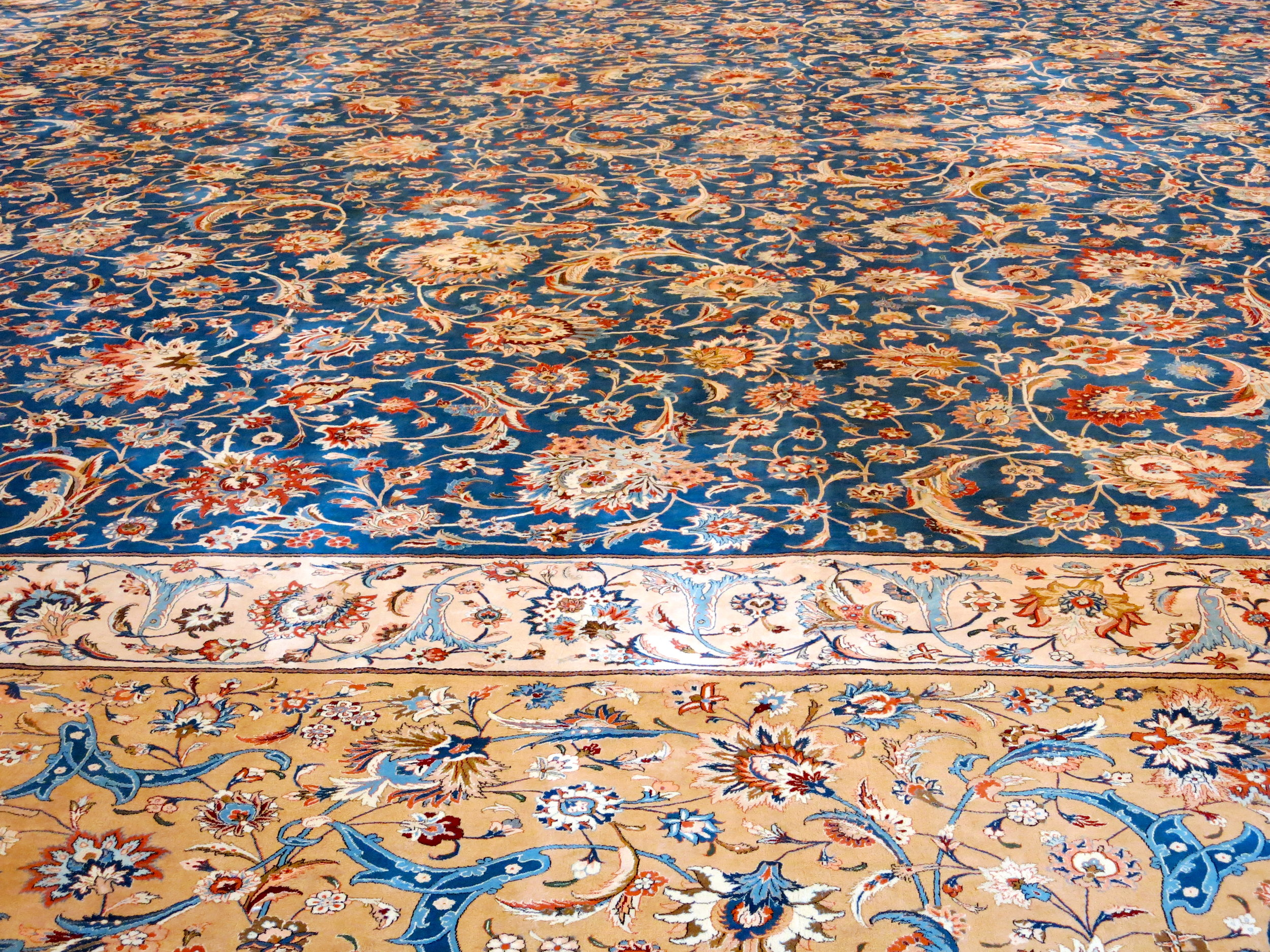 The carpet of the main hall is the second largest in the world
