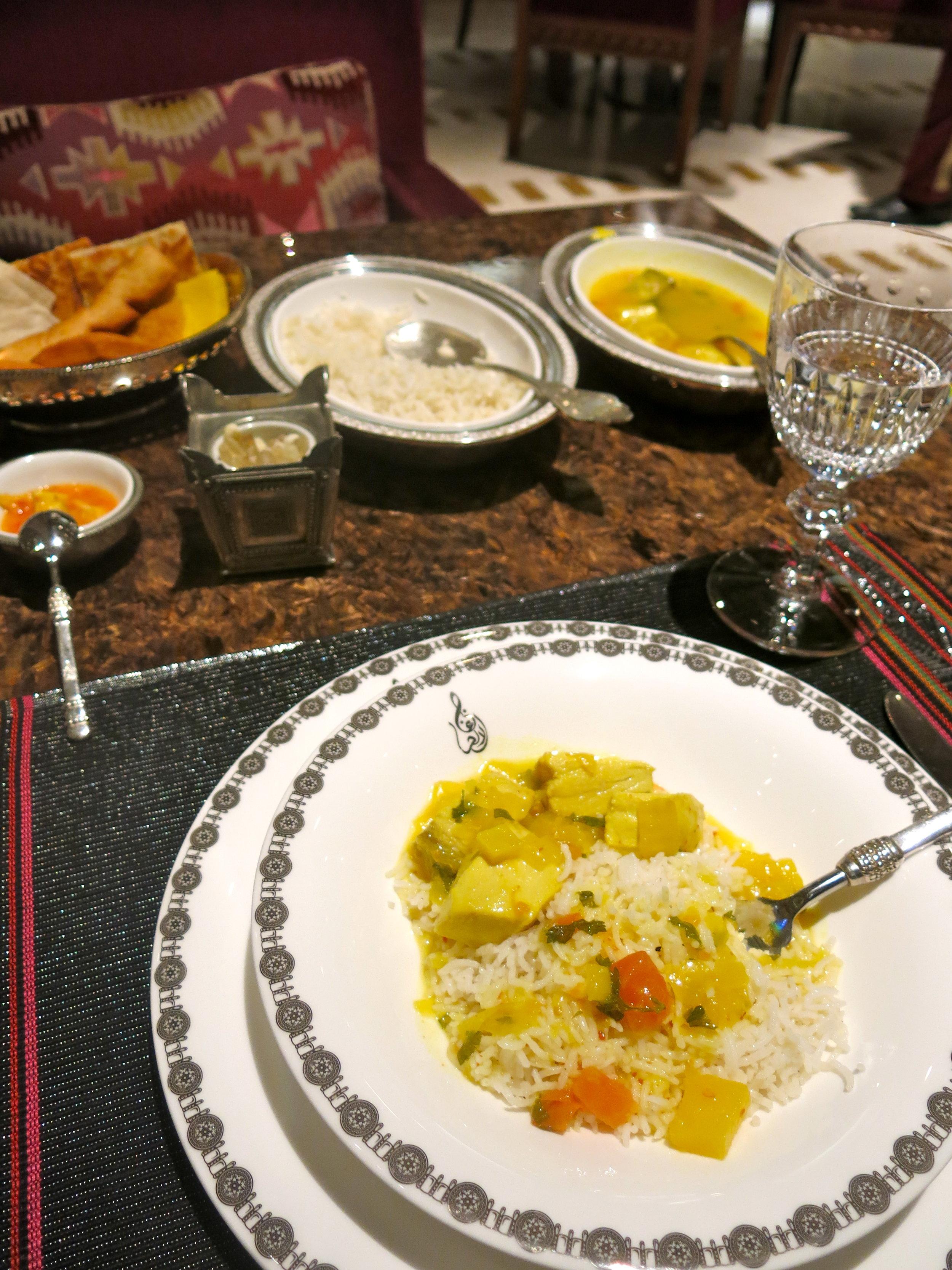 Tasting the Omani version of chicken Byriani