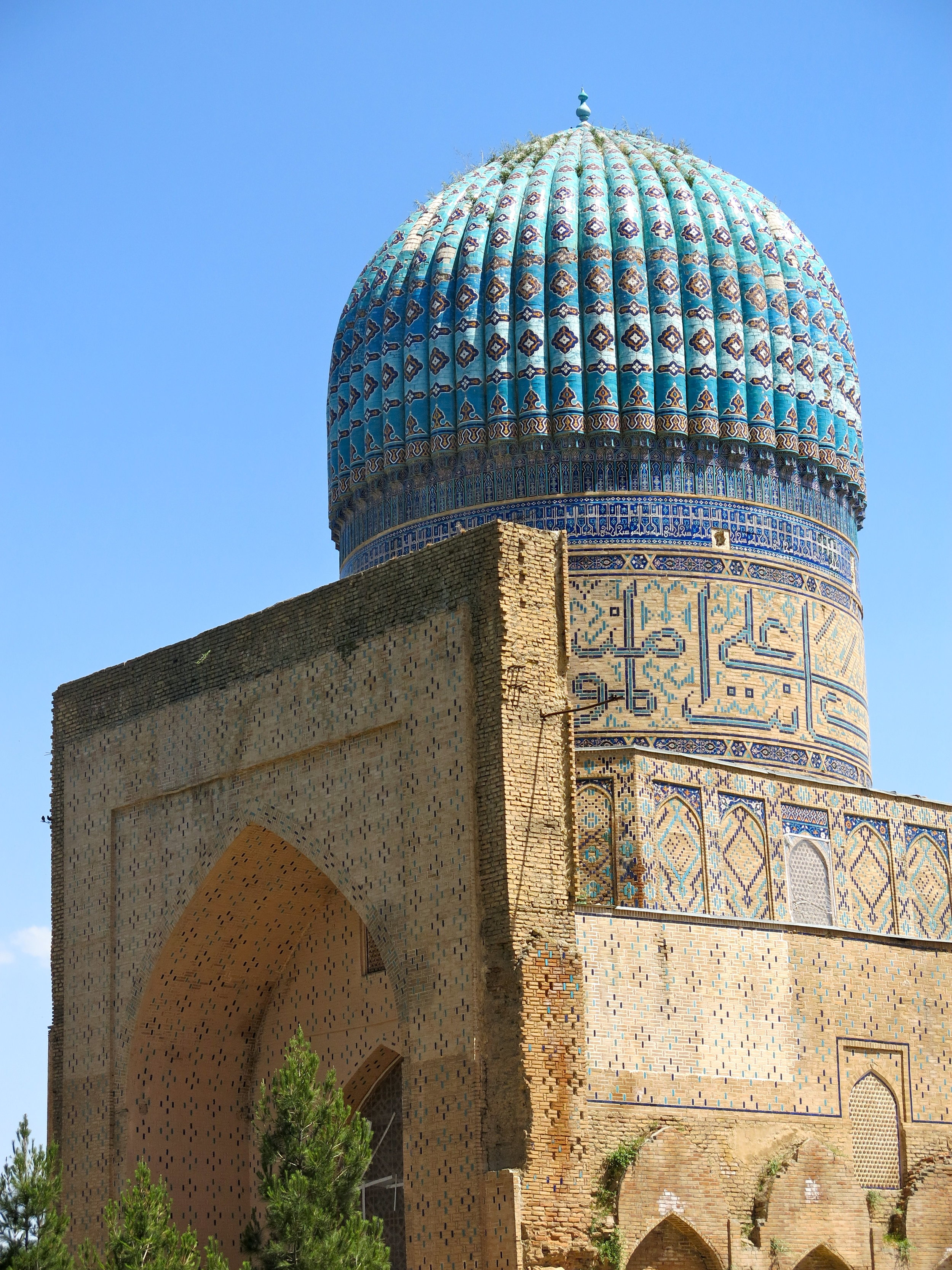 The mighty mosque of Bibi-Khanym was just ruins a century ago