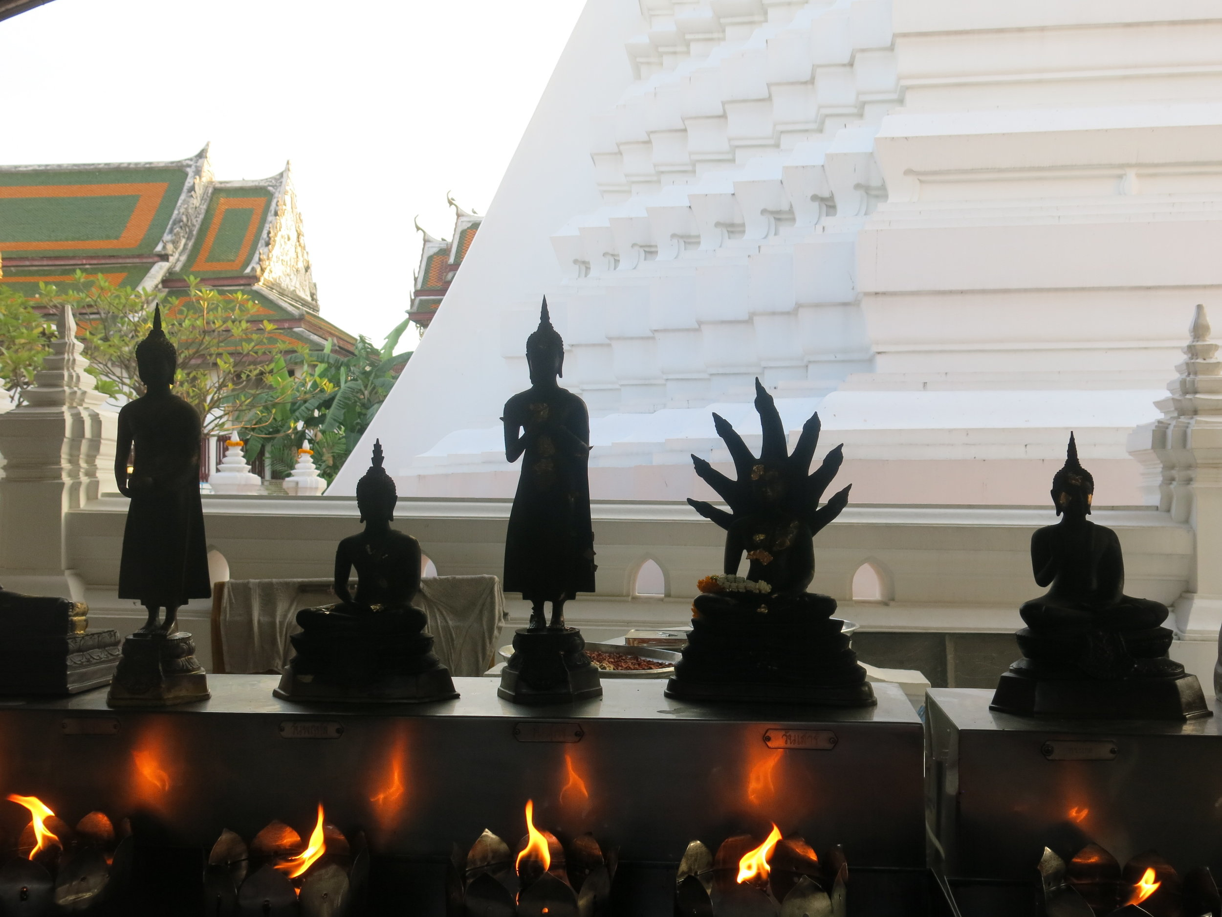 Buddhists statues at the gate of the temple