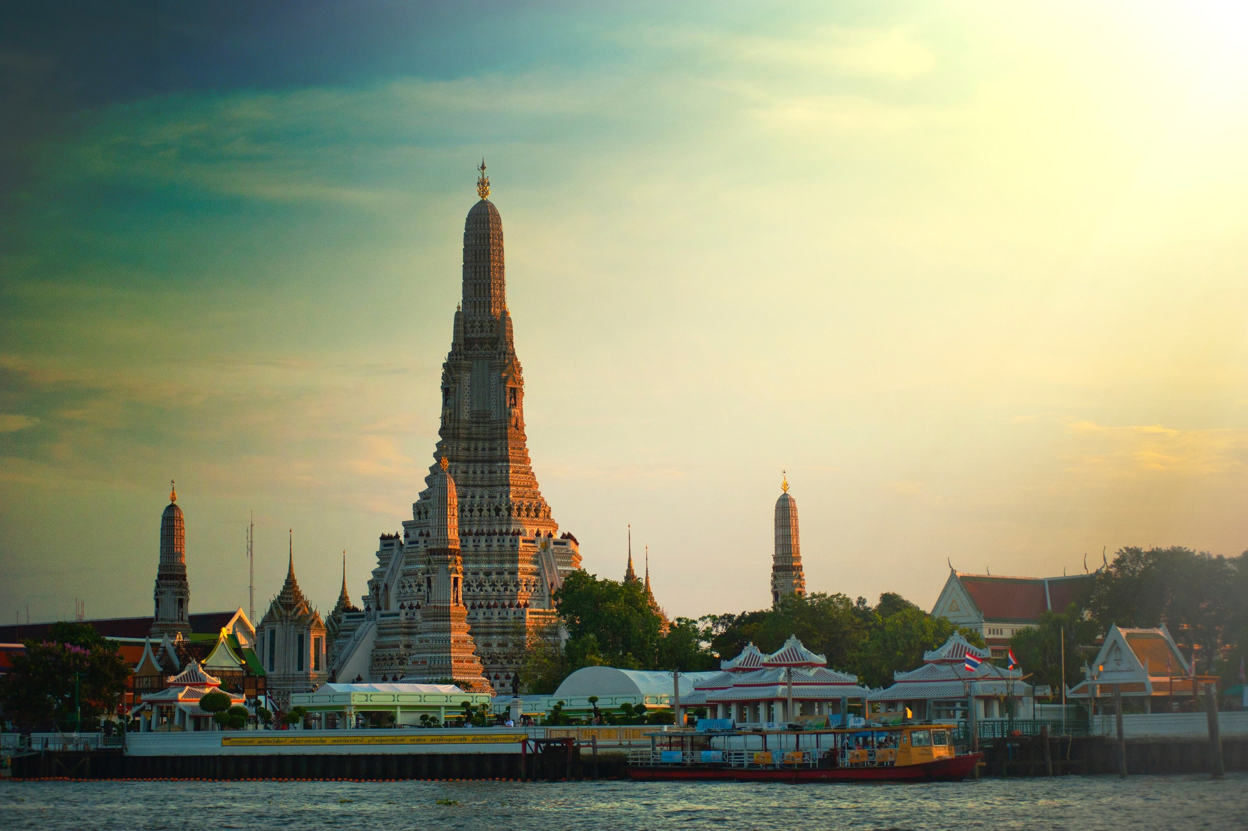 The Wat Arun is built on the shore of the Chao Phraya river (Stock picture)