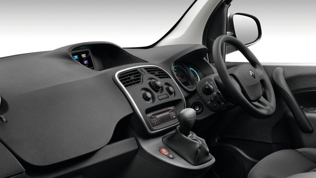 kangoo-interior-02.jpg.ximg.l_12_m.smart.jpg