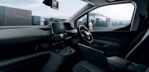 _Peugeot_Partner_interior.jpg