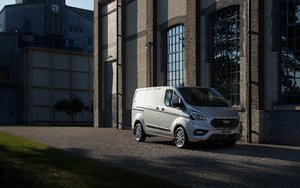 Ford Transit Custom MCE Silver Side